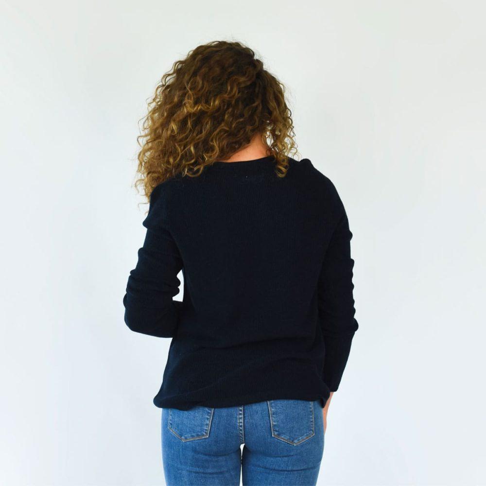 Pull lavallière femme bleu marine dos