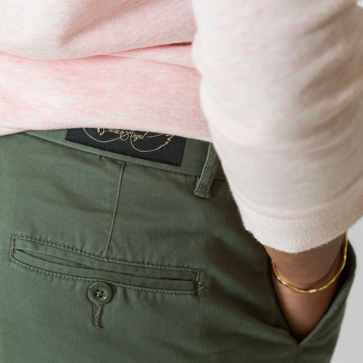 Pantalon chino femme kaki zoom dos