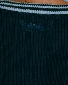 pull col rond brigitte-bleu-marine-zoom-logo
