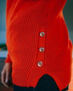 pull col rond brigitte-orange-zoom-boutons