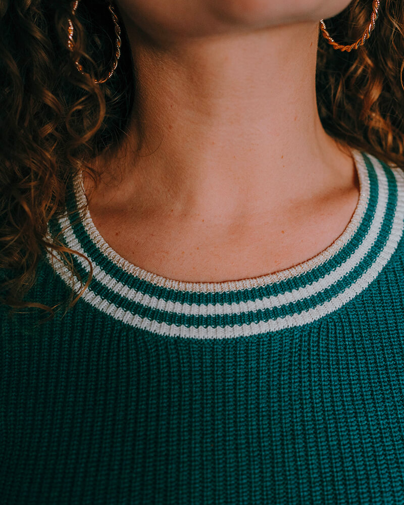pull col rond brigitte-vert-zoom-encolure