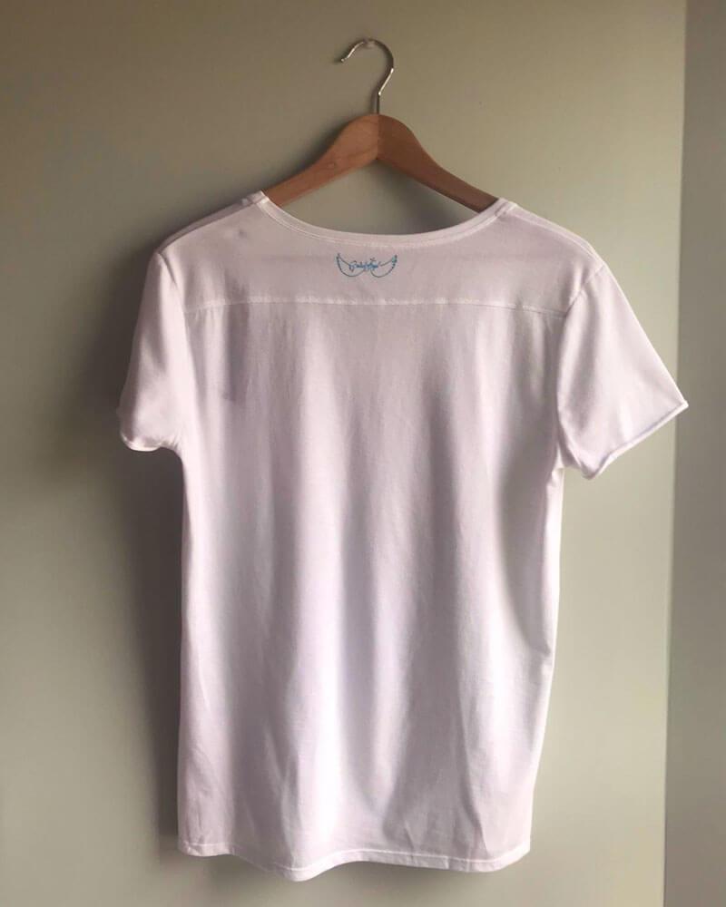 tee-shirt-manches-courtes-bijoux-dos