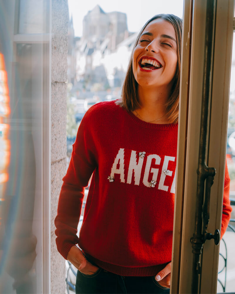 pull-carole-laine-message-angel-grenat-face