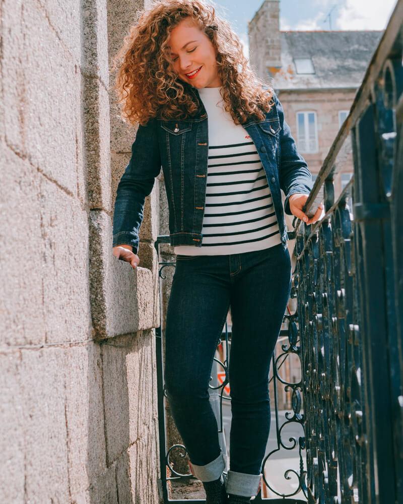 tenue-made-in-france-fabriqué-en-Bretagne-en-France-denim-et-pull